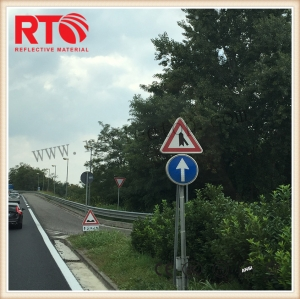Commercial grade reflective film for temporary road signs